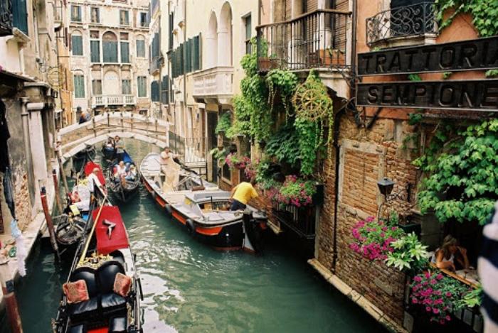 Chiêm bao thấy đi du lịch Ý cùng bố mẹ