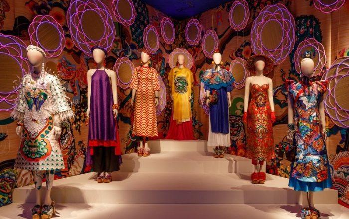 Mơ quần áo thời trang đánh gì để có thể đem may mắn về nhà?